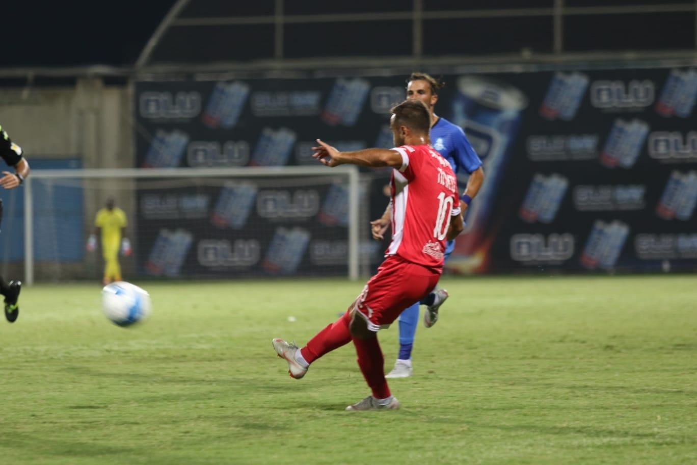 هـ. إكسال يحقق أول فوز له بالدرجة الممتازة