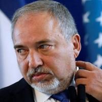 """""""ليبرمان في ورطة سياسية"""".. هل تدفع غزة الثمن؟"""