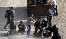 فلسطينيون وأجانب يرابطون في الخان الأحمر منذ 122 يوما