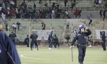 فيديو: مباراة كرة قدم تتحول إلى ساحة معركة بالجزائر