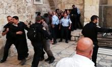 شرطة الاحتلال تعتدي على الرهبان بساحة القيامة