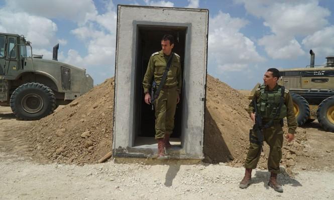 """اعتقال 26 فلسطينيا بالضفة ومناورات عسكرية في """"غلاف غزة"""""""