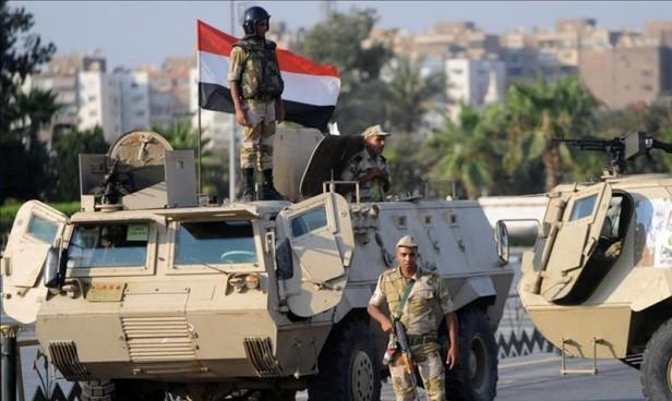مقتل ضابط و18 شخصا بعمليات للجيش المصري بسيناء