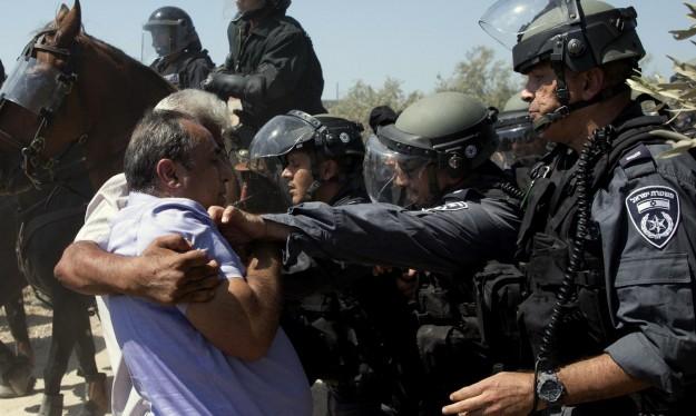 ملامح خطّة إدري: المزيد من أفراد الشرطة داخل المدن والقرى العربية