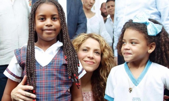 كولومبيا: شاكيرا تشيد بالتعليم وتبني مدرستين