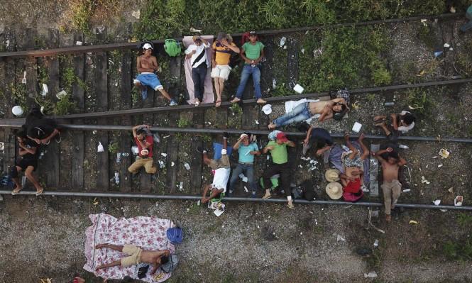 قافلة المهاجرين هذه لم تنشأ من العدم