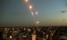 إطلاق مئات الصواريخ من غزة: إصابة 19 إسرائيليا والاحتلال يهدد