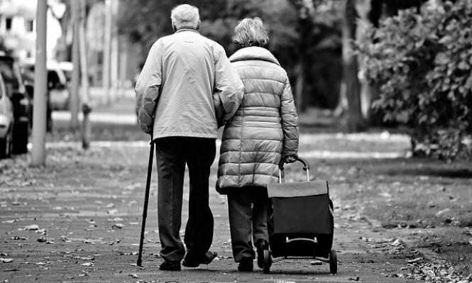 دراسة: المتزوجون أقل عرضة للخرف والسرطان وأطول حياةً