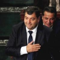 البرلمان التونسي يصادق على الحكومة الجديدة رغم الاحتجاجات
