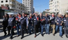 قلنديا: عشرات الإصابات بقمع الاحتلال لمسيرة للصحافيين الدوليين