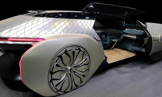 """سياراتُ المُستقبل... """"هواتف ذكية مزوَّدة بعجلات"""""""