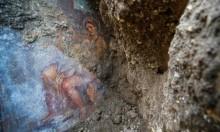 """""""ليدا والبجعة"""".. رسم إيروطيقي عمره 2000 عام بإيطاليا"""
