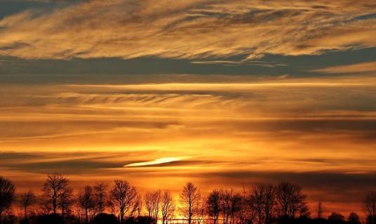علماء يقترحون رش الكرة الأرضية بمواد تقلل الاحتباس الحراري