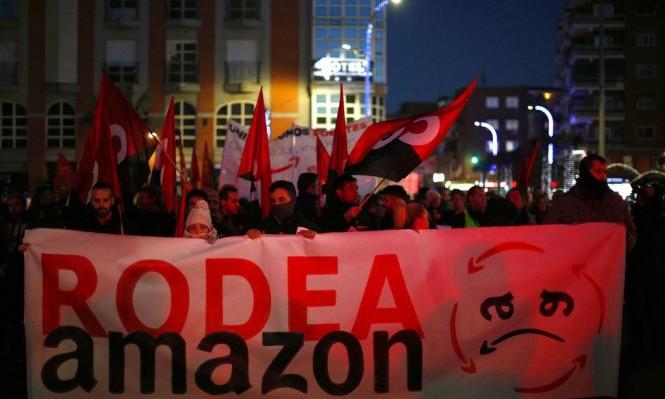 """عمال مخازن """"أمازون"""" بأوروبا يحتجون على ظروف عملهم"""