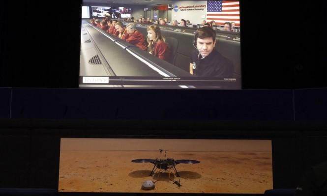 الهبوط على سطح المرّيخ