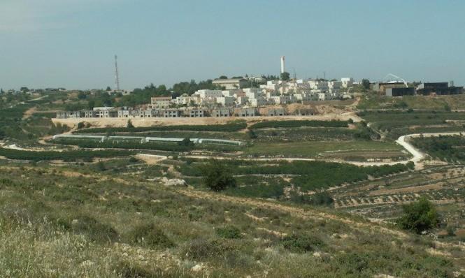 المحكمة العليا تشرعن سلب أراض فلسطينية وتوسيع الاستيطان فيها