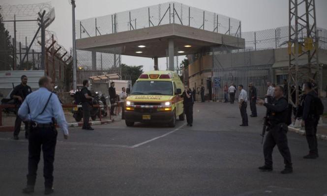 """""""استسلام لتنظيم إجرامي"""": مصلحة السجون تعيد تجميع سجناء قطير"""