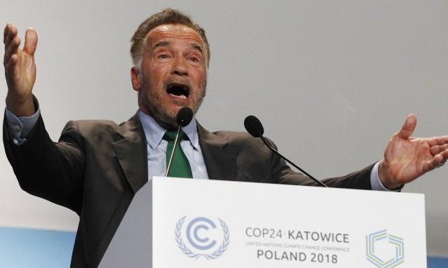 """شوارزنيجر يصف ترامب بـ""""المجنون"""" في مؤتمر عن المناخ"""