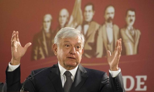 """المكسيك: الرئيس اليساري يتعهد بـ""""تغيير عميق وجذري"""""""