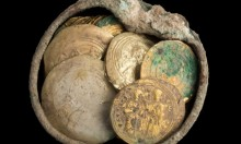 قيسارية: اكتشاف 24 عملة ذهبية من العصر الفاطمي
