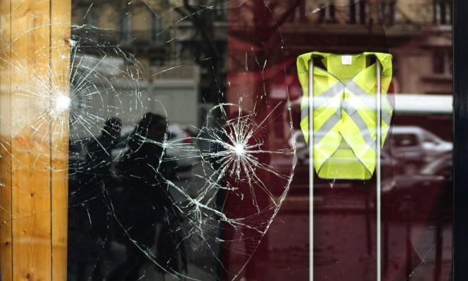 بعد الاحتجاجات: الحكومة الفرنسية تعلق رفع أسعار الوقود
