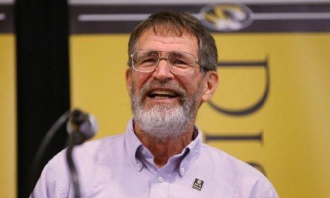 جورج سميث الفائز بنوبل للكيمياء: إسرائيل تنتهك القواعد الدولية