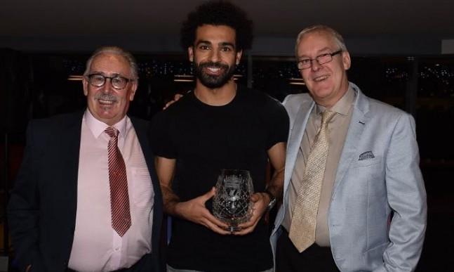 محمد صلاح يحصل على جائزة جديدة