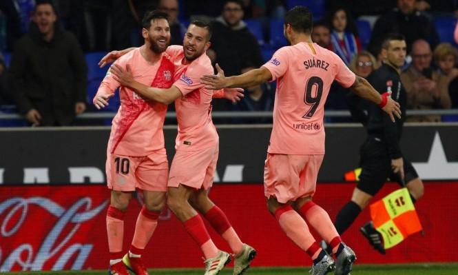 برشلونة يكتسح إسبانيول في الديربي