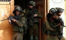 """قوات الاحتلال تقتحم مكاتب """"وفا"""" وتصادر تسجيلات كاميرات"""