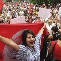 هل تتحوّل الاحتجاجات التونسية إلى فوضى سياسيّة؟