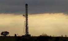 أسعار النفط تنخفض مدفوعة بتخمة المعروض وتخوفات تباطؤ النمو
