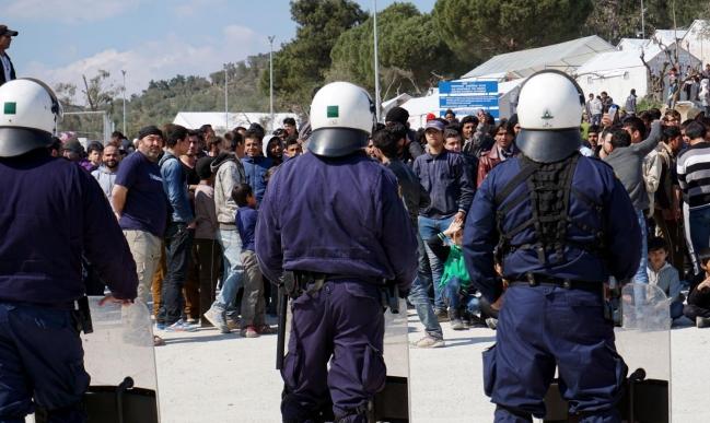 هيومن رايتس ووتش: الأمن اليوناني يعتدي على اللاجئين