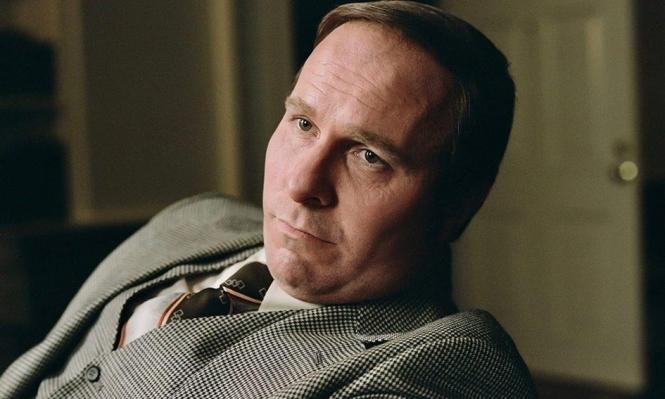 """فيلم """"النائب"""": صعود غامض لنائب الرئيس الأسبق بوش للسلطة"""