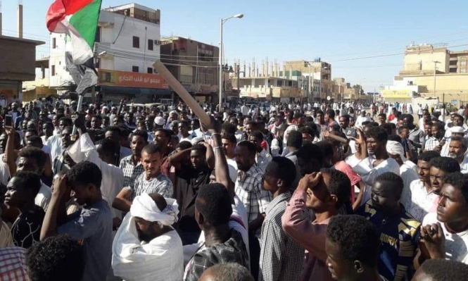 قتلى وعشرات الجرحى بالسودان والاحتجاجات تمتد للخرطوم