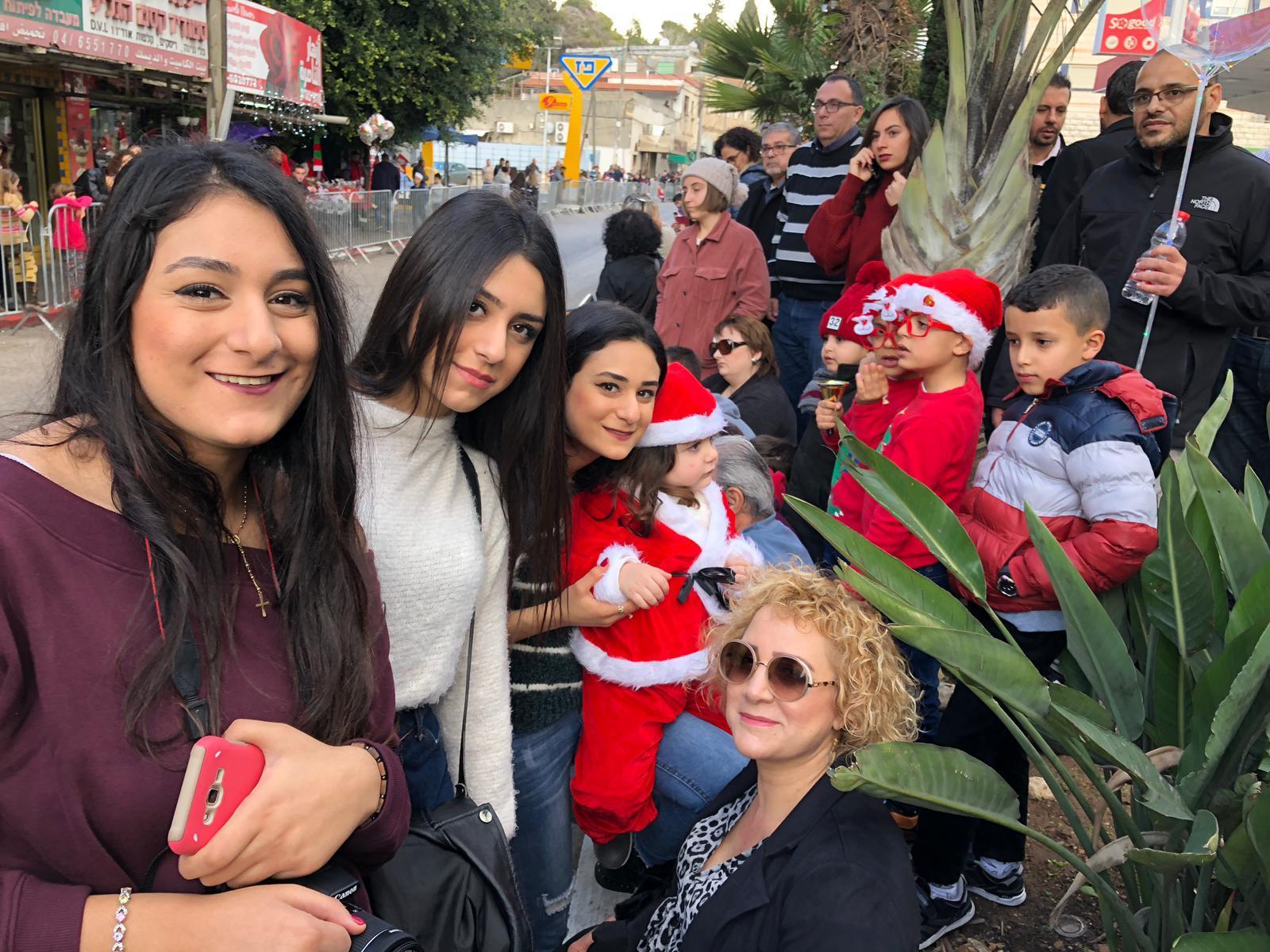 الناصرة: مشاركة واسعة في مسيرة عيد الميلاد المجيد