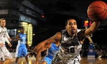 """دراسة: استخدام """"تويتر"""" قد يؤثر على كفاءة لاعبي كرة السلة"""