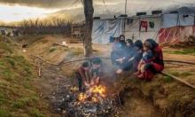 معرضون لأمراض السرطان: بمخيمات إدلب يحرقون البلاستيك للتدفئة