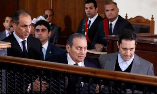 مبارك ومحمد مرسي في المحكمة وجها لوجه لأول مرة