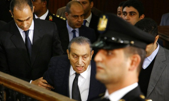 """#نبض_الشبكة: """"القاتل مبارك يشهد ضد من قتلهم"""""""