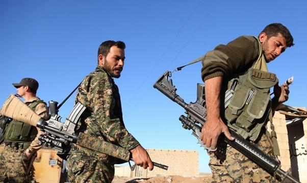 """المرصد: """"داعش"""" على شفا الانهيار في سورية"""