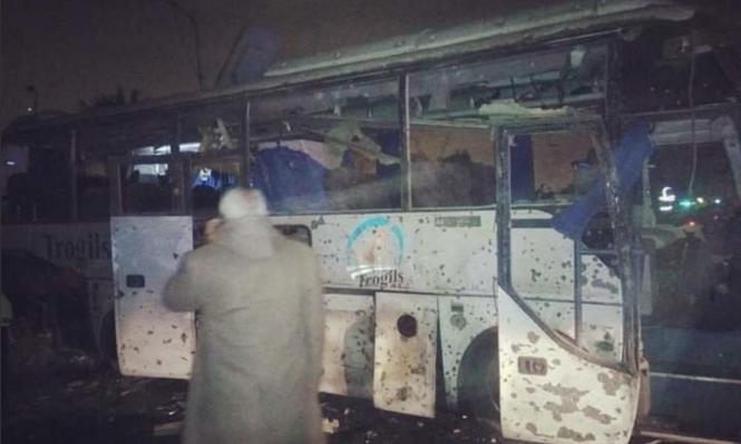 3 قتلى و11 مُصابًا في انفجار حافلة سياح جنوبي القاهرة