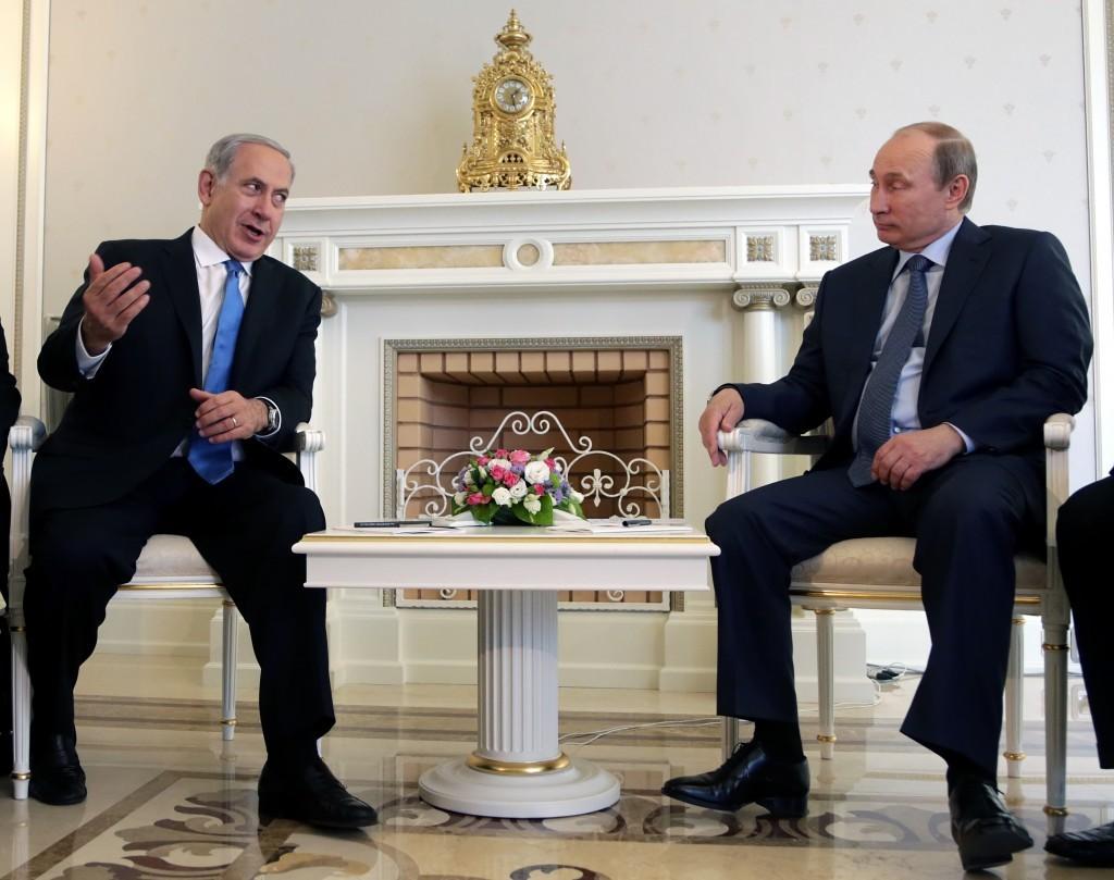 بوتين امتنع عن لقاء نتنياهو في الكرملين منذ إسقاط الطائرة الروسية في سورية في أيلول الماضي (أ ب)