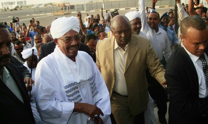 السودان: دعوات للتظاهر أمام قصر البشير الإثنين