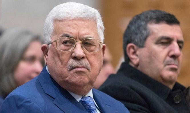السلطة تشرع بتطبيق عقوبات إضافية بحق موظفي غزة