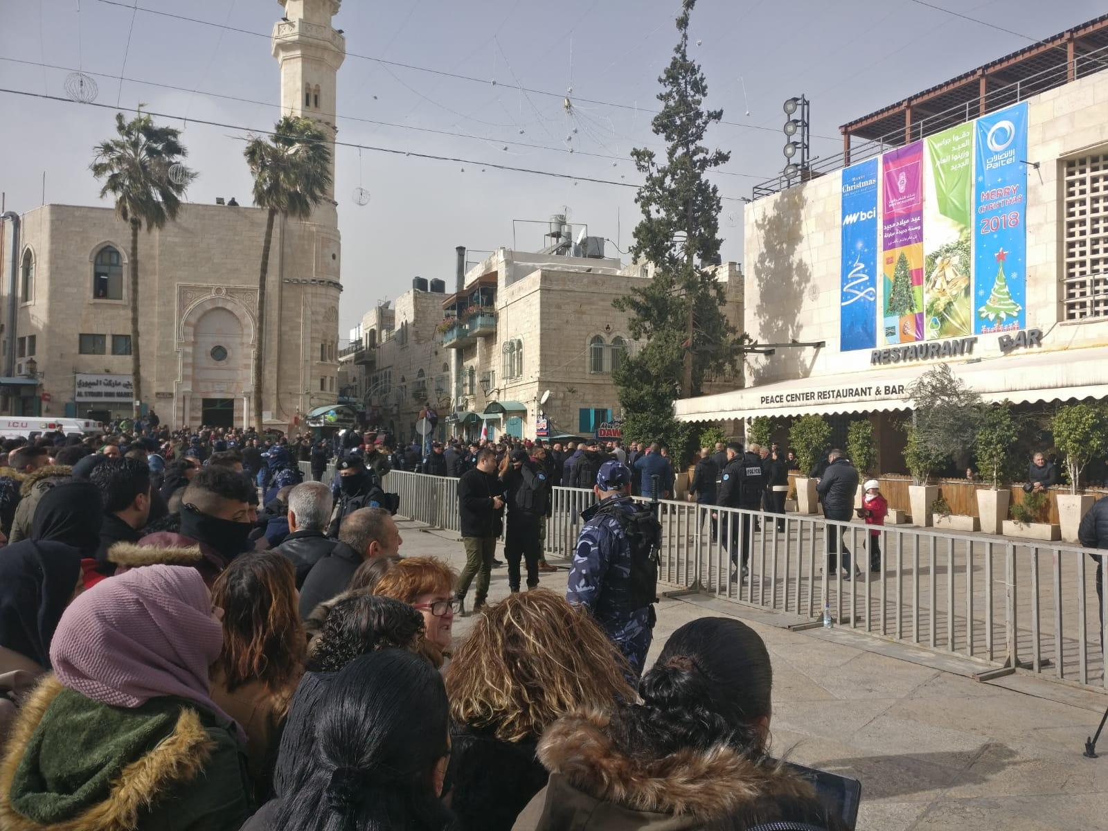 بيت لحم: أجهزة الأمن تعتدي على متظاهرين ضد زيارة ثيوفيلوس