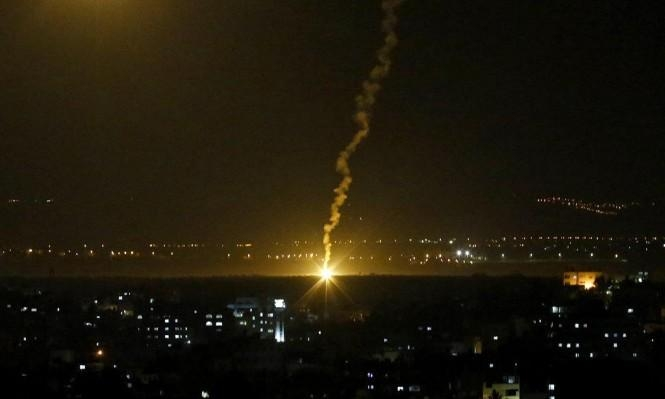 """طائرات الاحتلال تستهدف موقعين لحركة """"حماس"""""""