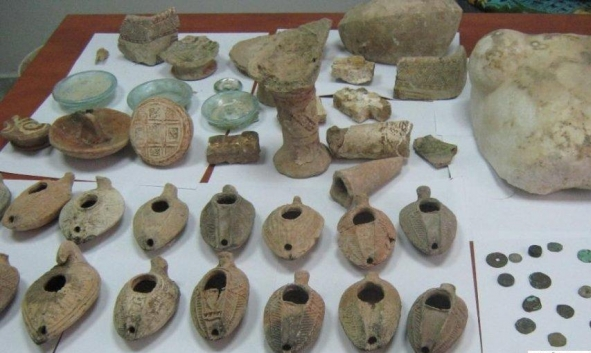 إحباط عملية تهريب 155 قطعة أثرية في أريحا