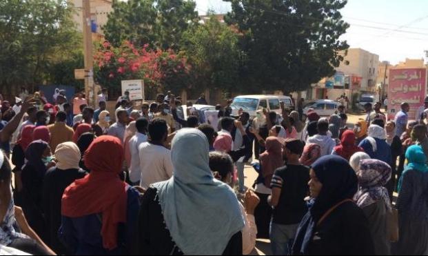 """تجدد الاحتجاجات بالسودان ودعوات لـ""""أسبوع انتفاضة شعبية"""""""