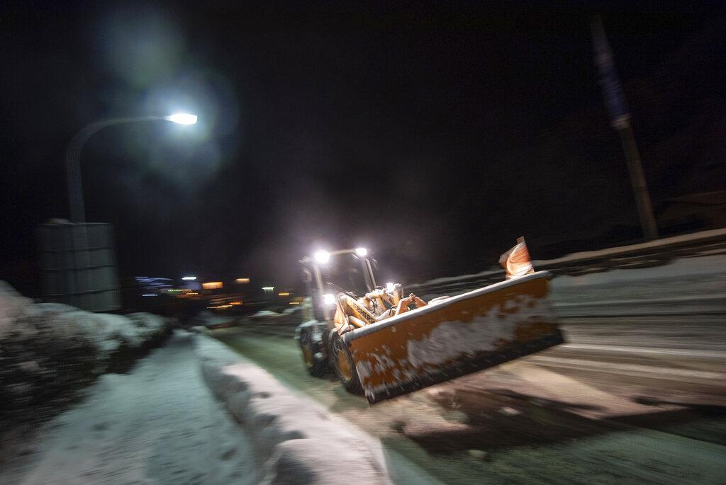 ألمانيا: الثلج يكسو الأرض وعمال جبال الألب يستنفرون