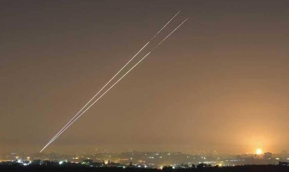 """سكان """"غلاف غزة"""" يحتجون على وقف تطبيقات التحذير من قذائف"""